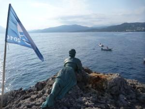 View_from_Scialandro_cliff-rock_and__Spigolatrice_di_Sapri__statue
